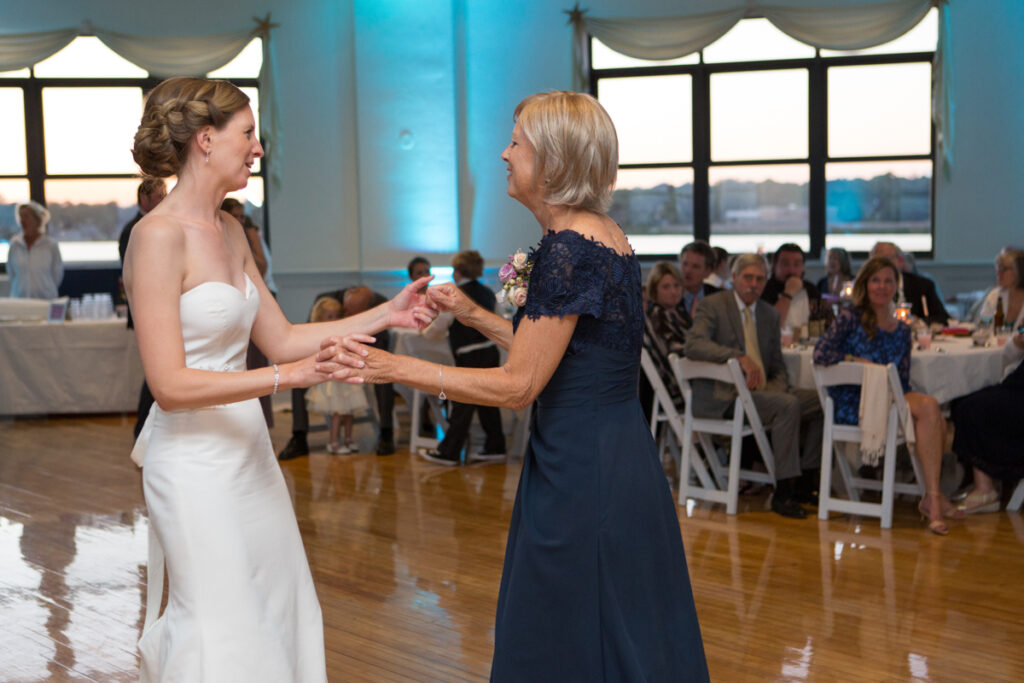 kate whitney lucey eastons beach wedding reception newport ri l-1394