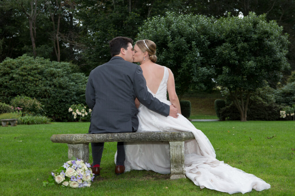 kate whitney lucey wedding photographer newport ri glen manor house-929